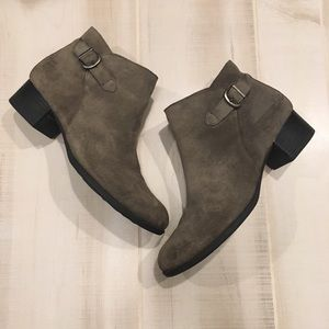 Born Gray Suede Leather Ankle Booties Boots 11M